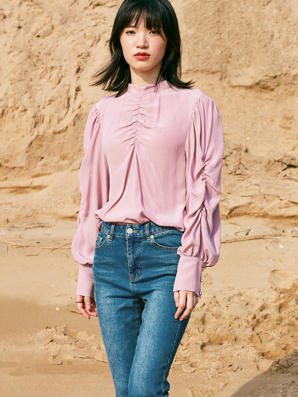 SHIRRING SLEEVE SOLID BLOUSE_PINK